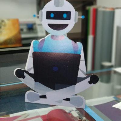 Özel Kesim Ayaklı Robot