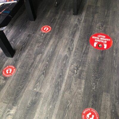 Ofis sosyal mesafe uyarı