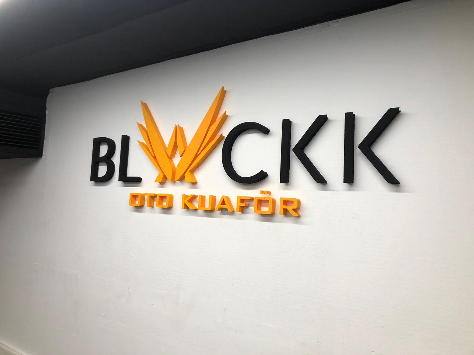 Blackk oto küaför logo tabela